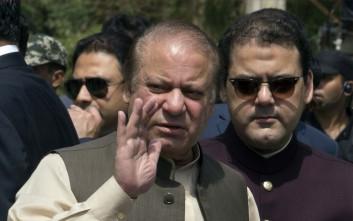 Προσωρινά εκτός φυλακής ο πρώην πρωθυπουργός του Πακιστάν και η κόρη του