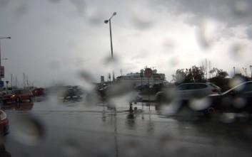 Βροχές, κεραυνοί και χαλάζι αυτήν την ώρα στην Κεφαλονιά