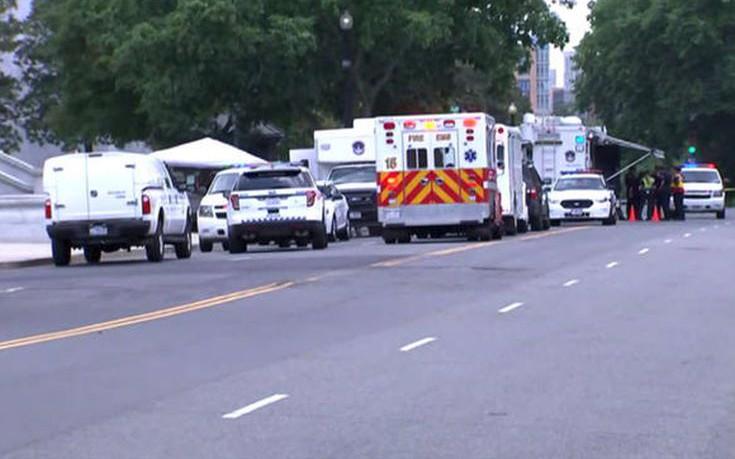 «Ύποπτο» αυτοκίνητο τραυμάτισε αστυνομικό κοντά στο Καπιτώλιο