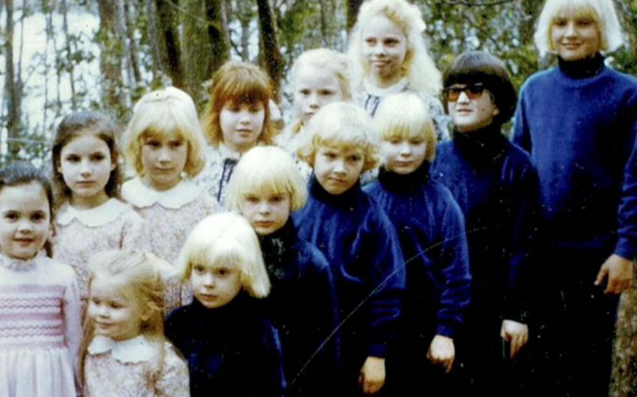 H σέχτα που απήγαγε παιδιά και τα πότιζε LSD ενόψει του 3ου Παγκοσμίου Πολέμου