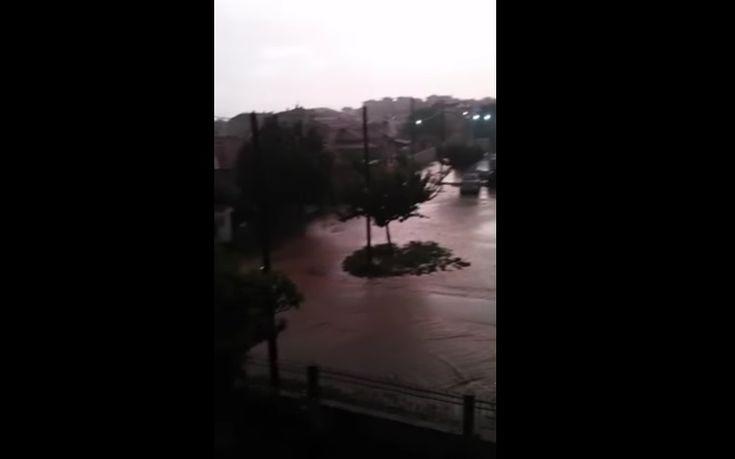 Βροχές, χαλάζι και πλημμυρισμένοι δρόμοι στη Χαλκιδική