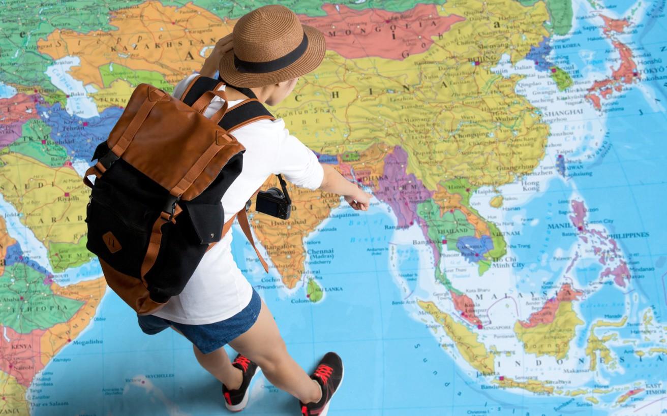 Άνθρωποι που τα παράτησαν όλα και ταξιδεύουν σε ολόκληρο τον κόσμο