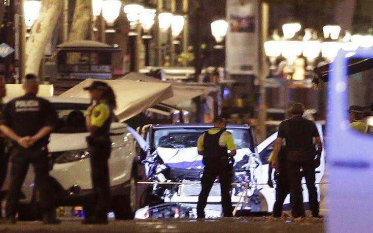 Φόβοι πως όχημα των τρομοκρατών στη Βαρκελώνη πέρασε στη Γαλλία