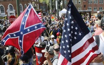 Χειροπέδες σε τέσσερα άτομα που υποκίνησαν τις ταραχές στο Σάρλοτσβιλ της Βιρτζίνια