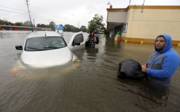 Πώς η κλιματική αλλαγή συνδέεται με τον τυφώνα Χάρβεϊ
