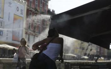 Πυρκαγιές και καύσωνας λιώνουν την Ιταλία