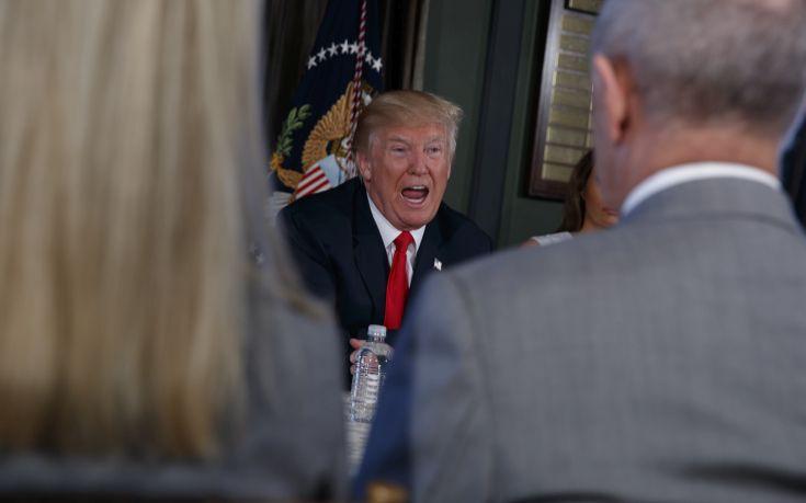 Παραιτήσεις από το Συμβούλιο Αμερικανικής Βιομηχανίας του Τραμπ