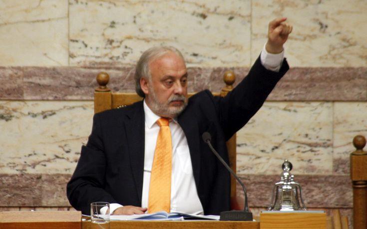 Για πρόεδρος της ΕΠΟ κατεβαίνει ο Γιώργος Καλαντζής