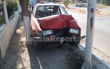 Αυτοκίνητο έπεσε σε κολόνα στη Λαμία