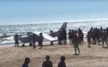 Δύο νεκροί από προσγείωση αεροσκάφους σε παραλία