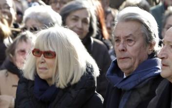 «Έφυγε» η γαλλίδα ηθοποιός και πρώην γυναίκα του Αλέν Ντελόν, Μιρέιγ Νταρκ