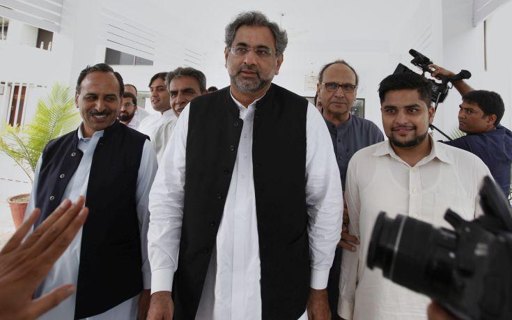 Νέος προσωρινός πρωθυπουργός του Πακιστάν ο Σαχίντ Χακάν Αμπάσι