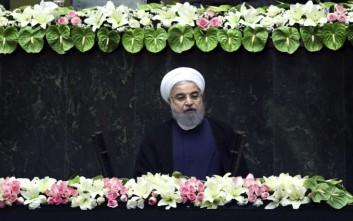 Ο Ροχανί προειδοποιεί τους Ιρανούς: Έρχονται δύσκολοι καιροί