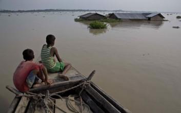 Περίπου 24 εκατ. άνθρωποι απειλούνται από τις πλημμύρες στην Ασία