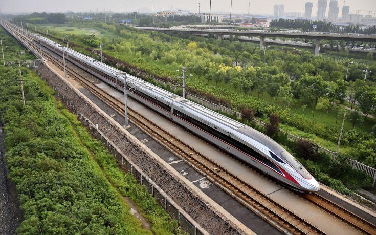 Τα τρένα στην Κίνα θα τρέχουν πλέον με 350 χιλιόμετρα την ώρα