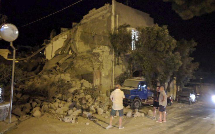 Εικόνες καταστροφής από το σεισμό στην Ίσκια της Ιταλίας