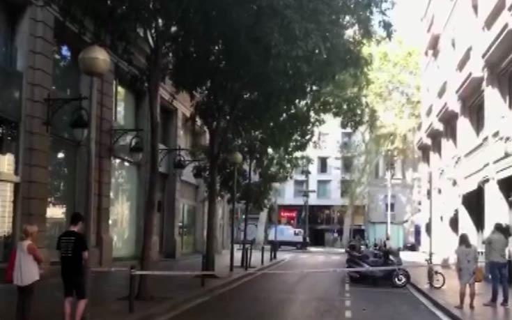 Δυο ένοπλοι εισέβαλαν σε εστιατόριο στη Βαρκελώνη
