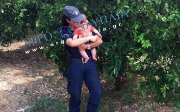 «Ήταν αυτονόητο», λέει η αστυνομικός που ηρέμησε μωρό μετά από τροχαίο