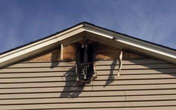 Πώς είναι ένα σπίτι που το έχει χτυπήσει κεραυνός