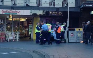 Αυτοκίνητο έπεσε πάνω σε πεζούς στο Σίδνεϊ