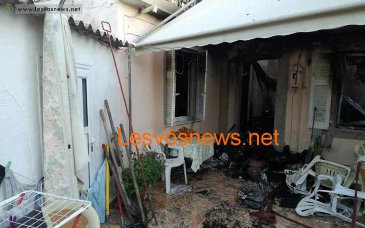 Η μάνα δεν μπόρεσε να βγάλει τα παιδιά της από το φλεγόμενο σπίτι στη Λέσβο