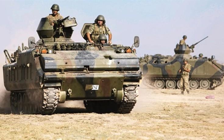 Τα τουρκικά τανκς «ζεσταίνουν μηχανές» για εισβολή στη Συρία