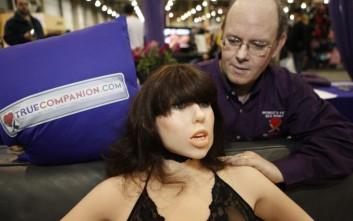 Η σταρ που αποτελεί την πρώτη επιλογή για παραγγελίες σε κούκλες του σεξ