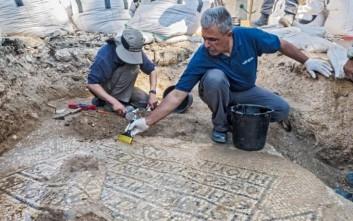 Ανακαλύφθηκε αρχαίο μωσαϊκό με ελληνική επιγραφή, ηλικίας 1.500 χρόνων