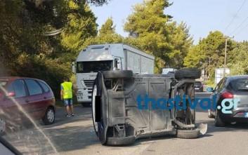 Ανατροπή αυτοκινήτου από τροχαίο στην Κρυοπηγή Χαλκιδικής