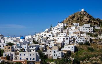 Η ιταλική Vogue γράφει για την Ίο και τη νέα εικόνα του νησιού