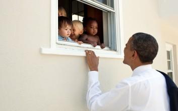 Με κουβέντες του Μαντέλα το μήνυμα Ομπάμα για τα γεγονότα στο Σάρλοτσβιλ