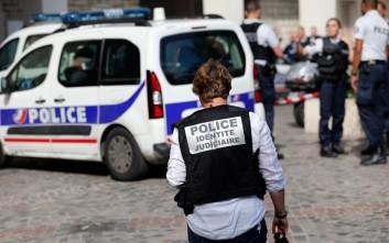 Εκρηκτικά εντοπίστηκαν σε διαμέρισμα νότια του Παρισιού