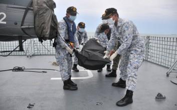 Εντοπίστηκαν οι σοροί των 10 αγνοούμενων ναυτικών του αντιτορπιλικού McCain