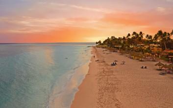 Αρούμπα, το χαρούμενο νησί της Καραϊβικής