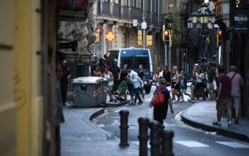 «Mε φορτηγό γεμάτο εκρηκτικά σχεδίαζαν αρχικά την επίθεση οι τρομοκράτες στη Βαρκελώνη»