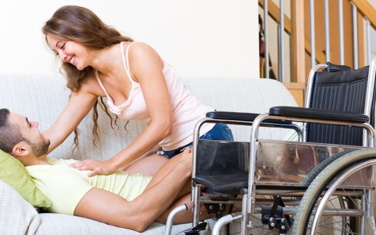 Οι «σεξουαλικοί βοηθοί» που επισκέπτονται κατ' οίκον ΑμεΑ