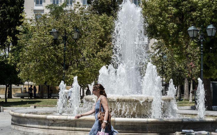 Καταφύγιο δροσιάς έξι Λέσχες Φιλίας στην Αθήνα