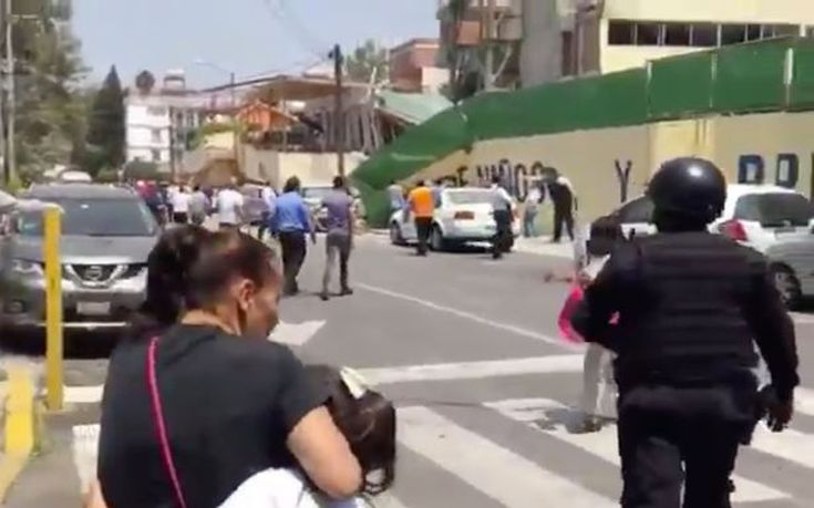 100-children-unaccounted-for-after-school-building-collapses-in-Mexico-earthquake4