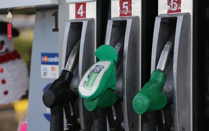 ΣΕΕΠΕ: Για κάθε 10 ευρώ βενζίνης τα 6,5 ευρώ είναι φόροι και δασμοί