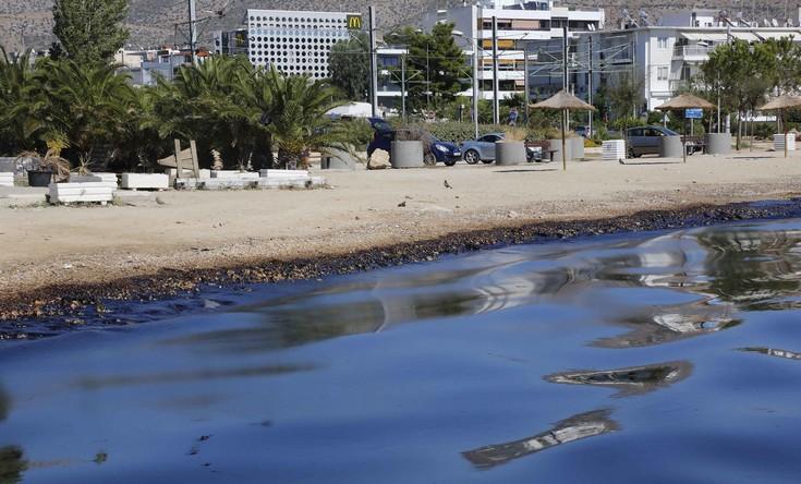 Δήμαρχος Γλυφάδας: Δεν είχαμε καμία ενημέρωση για την πετρελαιοκηλίδα
