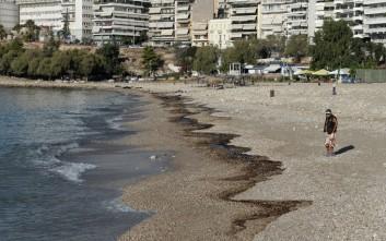 «Όχι κολύμπι» για ένα χρόνο στις περιοχές που μολύνθηκαν λέει το ΚΕΕΛΠΝΟ