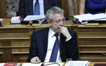 Ο Κοντονής κατηγορεί ΝΔ και ΠΑΣΟΚ για ανευθυνότητα γιατί δεν ψήφισαν την τροπολογία