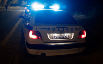 Ληστές εισέβαλαν με αυτοκίνητο σε κοσμηματοπωλείο στο Κορωπί