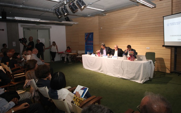 Αποστόλου: Στόχος της κυβέρνησης η ανάπτυξη με κοινωνική βιωσιμότητα