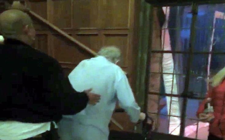 Δείτε τον καταβεβλημένο Χιου Χέφνερ να περπατά με «πι»