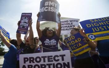 Η Αλαμπάμα απαγορεύει τις αμβλώσεις ακόμα και σε περιπτώσεις βιασμών