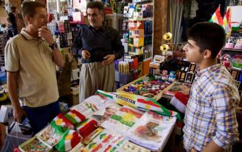 Οι Κούρδοι αποθηκεύουν τρόφιμα υπό τον φόβο της Άγκυρας