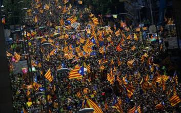 Στο πόδι η Βαρκελώνη για τους «πολιτικούς κρατούμενους»