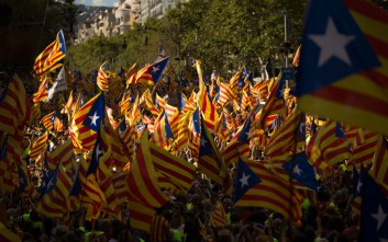 Έξι στους δέκα Ισπανούς στηρίζουν το μήνυμα του βασιλιά Φελίπε