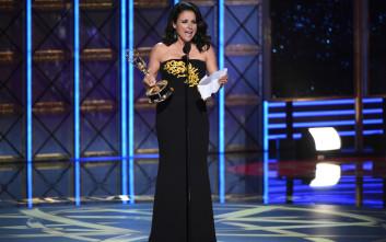 Η ηθοποιός Julia Louis-Dreyfus δίνει μάχη με τον καρκίνο του μαστού